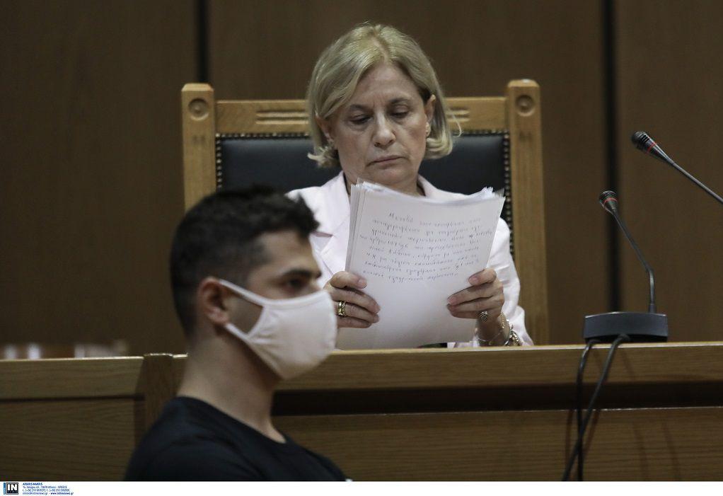 Δίκη ΧΑ: Το σκεπτικό της εισαγγελέως για τις αναστολές