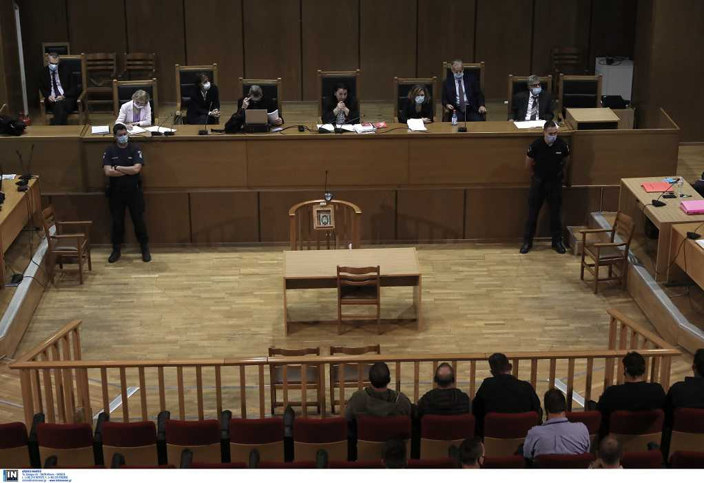 Δίκη ΧΑ: Παρόντες Μπαρμπαρούσης και Ματθαιόπουλος