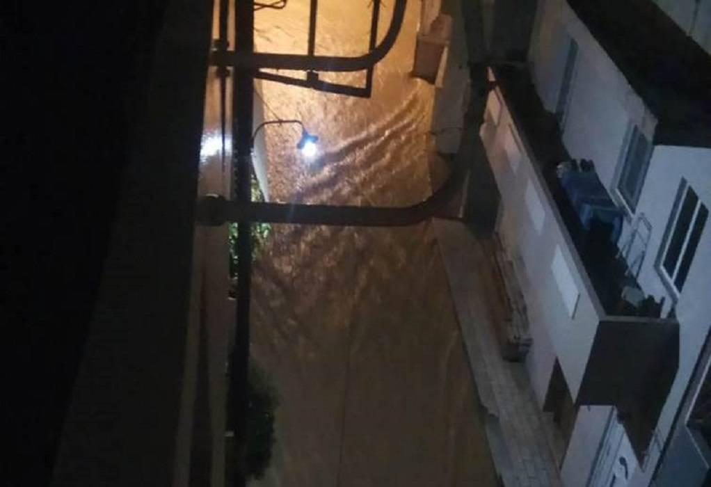 Πλημμύρισαν οι δρόμοι λόγω κακοκαιρίας στην Κρήτη