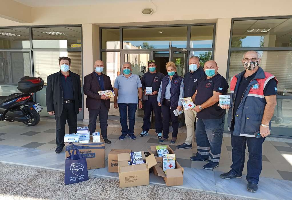 Μαλλιάρης-Παιδεία: Δωρεά 2.000 μασκών στο Σωματείο Εργαζομένων ΕΚΑΒ-2 Θεσσαλονίκης