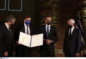Ο Κυριάκος Μητσοτάκης στη Ροτόντα για το βραβείο «Αυτοκράτειρα Θεοφανώ»