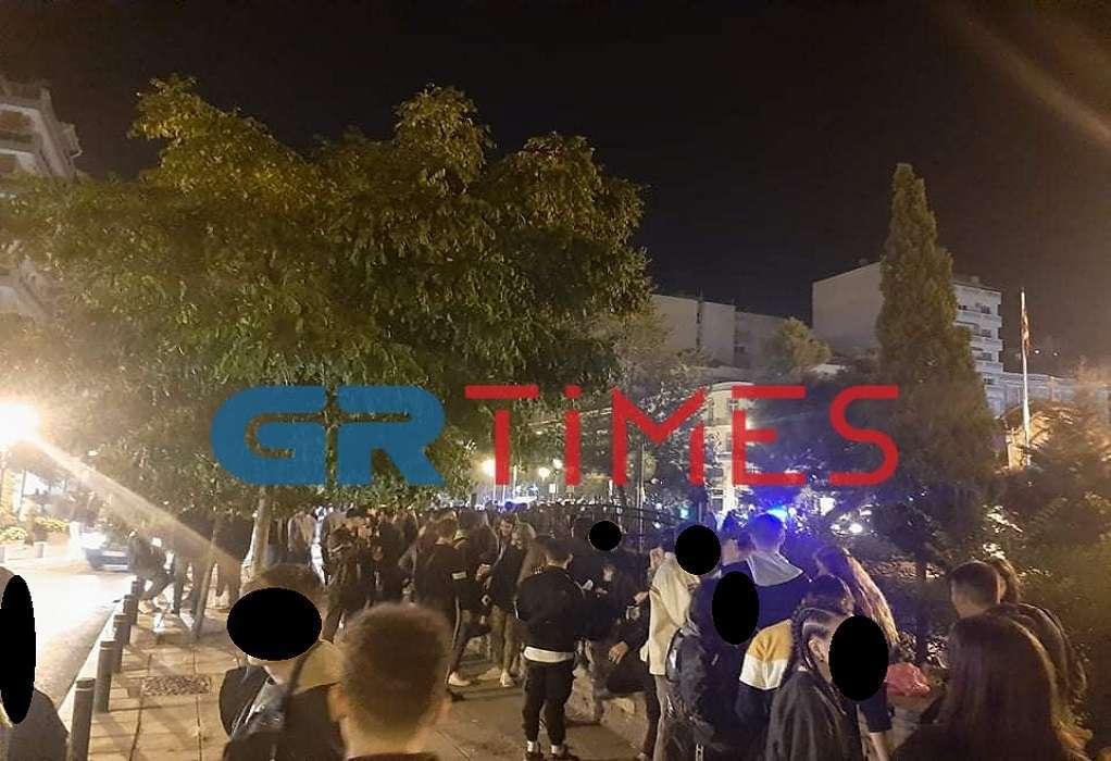 Απίστευτος συνωστισμός στο κέντρο της Θεσσαλονίκης (ΦΩΤΟ-VIDEO)