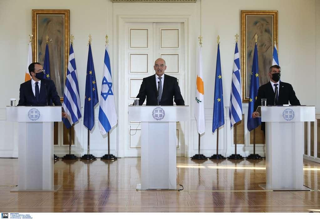 Τριμερής-Δένδιας: Εγγύηση ασφάλειας η συνεργασία Ελλάδας- Κύπρου- Ισραήλ