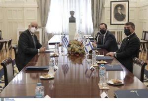 Σε εξέλιξη η τριμερής συνάντηση των ΥΠΕΞ Ελλάδας-Κύπρου-Ισραήλ