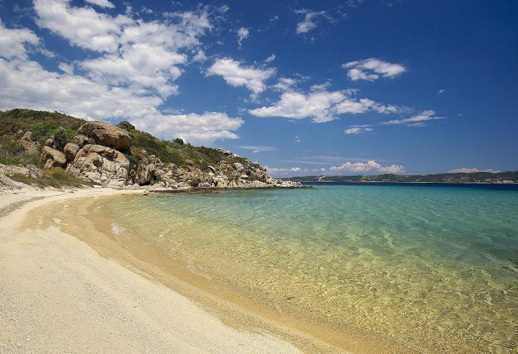 Πάτμος και Χαλκιδική στις «μυστικές» παραλίες της Ευρώπης
