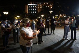 Με ένα κερί στο Σύνταγμα για τα θύματα της Χρυσής Αυγής