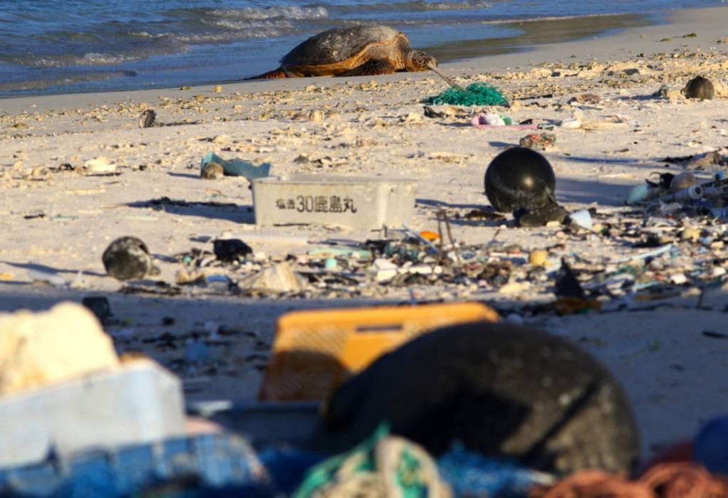 Μεσόγειος Θάλασσα: 229.000 τόνοι πλαστικών διαρρέουν κάθε χρόνο