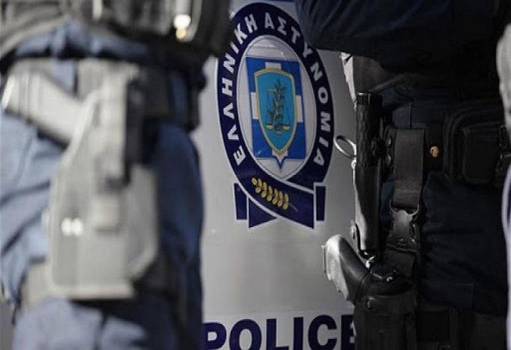 Χειροπέδες σε 22χρονο που διέρρηξε 37 καταστήματα στις Σέρρες