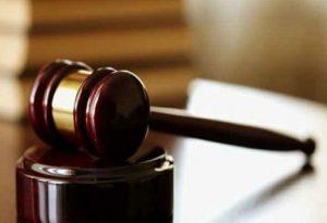Αθωώθηκε μητέρα για ασέλγεια στο γιό της