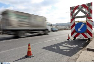 Εργασίες ισοστάθμισης φρεατίων σήμερα στην ΕΟ 2 Θεσσαλονίκης-Έδεσσας