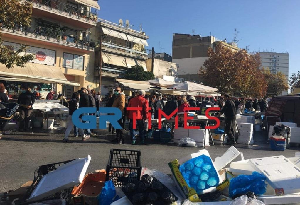 Θεσσαλονίκη-Lockdοwn: Μεγάλος συνωστισμός σε λαϊκή αγορά (ΦΩΤΟ)