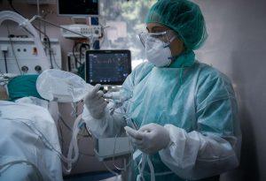 ΠΟΕΔΗΝ: Δέκα νοσοκομειακοί διασωληνωμένοι σε ΜΕΘ