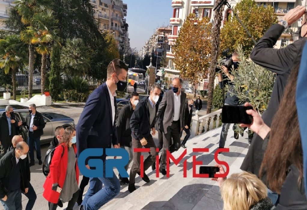 Ο Μητσοτάκης έκανε τους δημοσιογράφους… να τρέχουν