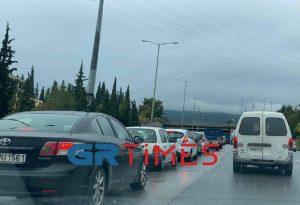 Δύο τροχαία ατυχήματα στον Περιφερειακό Θεσσαλονίκης