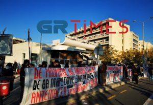 Θεσσαλονίκη: Στα κάγκελα οι υγειονομικοί (ΦΩΤΟ+VIDEO)