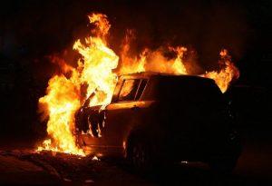 Θεσσαλονίκη: Φωτιά σε ΙΧ στον οικισμό Ρομά «Αγία Σοφία»