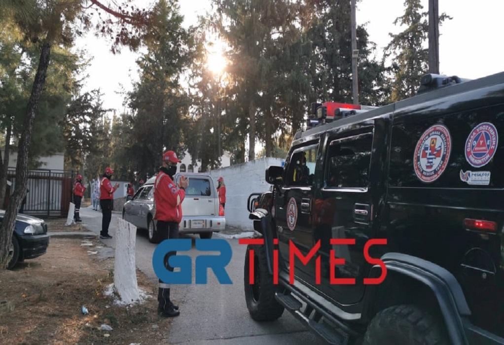 Θεσσαλονίκη: Συγκίνηση στο τελευταίο αντίο στον Σάκη Σωτηράκη (ΦΩΤΟ+VIDEO)