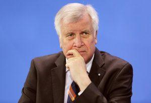 Γερμανία: Επιθυμία Ζεεχόφερ για επανέναρξη απελάσεων στη Συρία