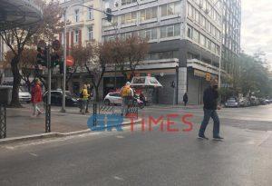 Απολυμαίνονται τα καλάθια σκουπιδιών στο κέντρο της Θεσσαλονίκης (ΦΩΤΟ)
