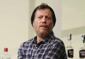 «Έφυγε» ο ηθοποιός και σκηνογράφος Βαγγέλης Χατζηνικολάου