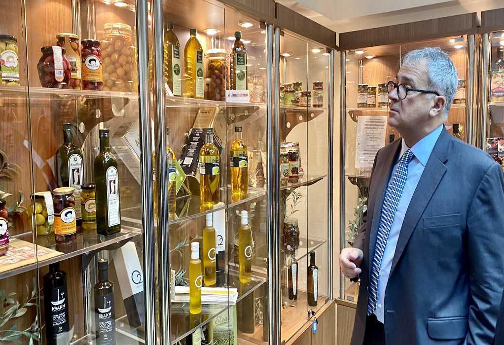 ΥπΑΑΤ: Συνεχίζεται η υποβολή αιτημάτων για ενίσχυση στους ελαιοπαραγωγούς της χώρας