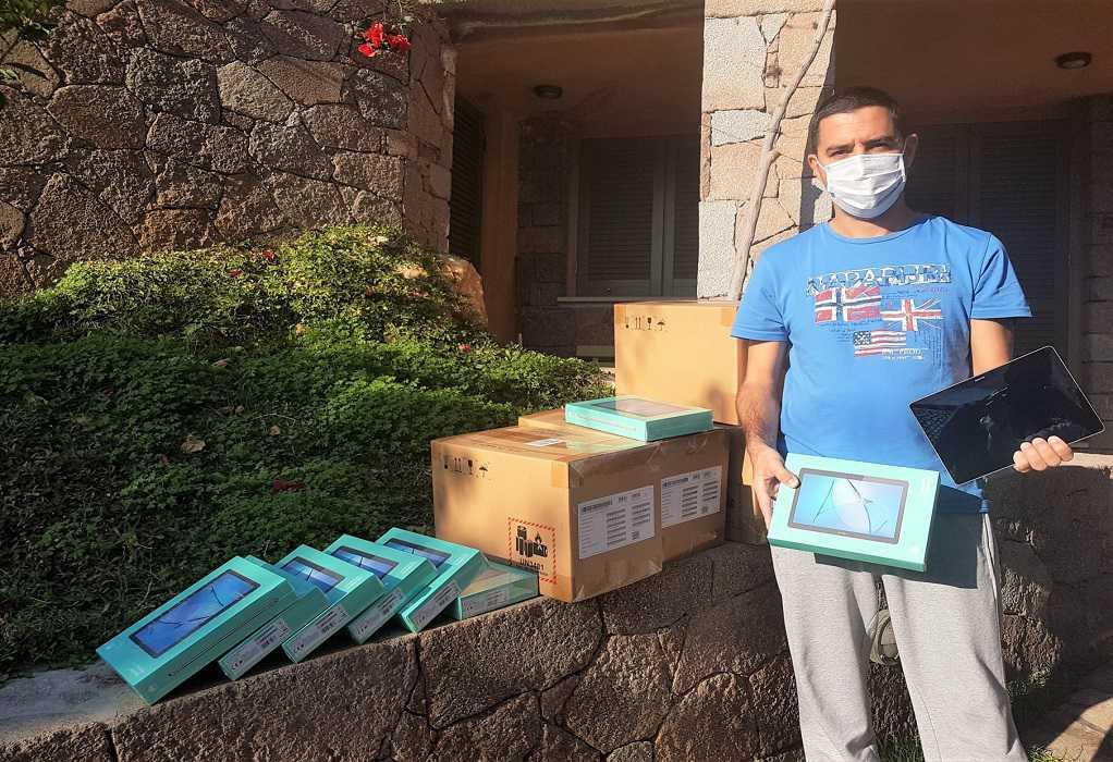 Ο Δήμος Πόρου μοίρασε 40 τάμπλετς στα σχολεία