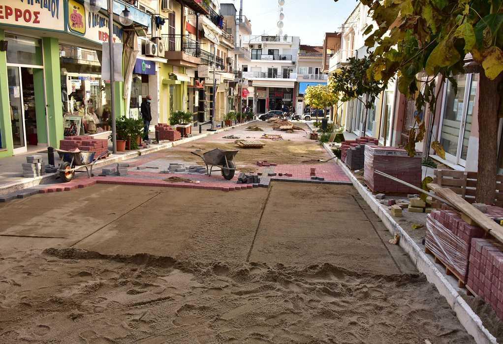 Συνεχίζεται η ανάπλαση του εμπορικού κέντρου Ν. Μουδανιών