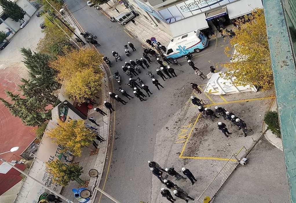ΚΝΕ: Καταγγέλλουμε την παρουσία αστυνομικών δυνάμεων στις εστίες
