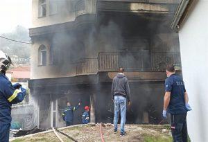 Ελασσόνα: 35χρονη έχασε τη ζωή της από φωτιά στο σπίτι της