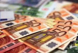 """Νέα """"ανάσα"""" για οφειλές στην εφορία: Παράταση πληρωμής και έως 48 δόσεις"""