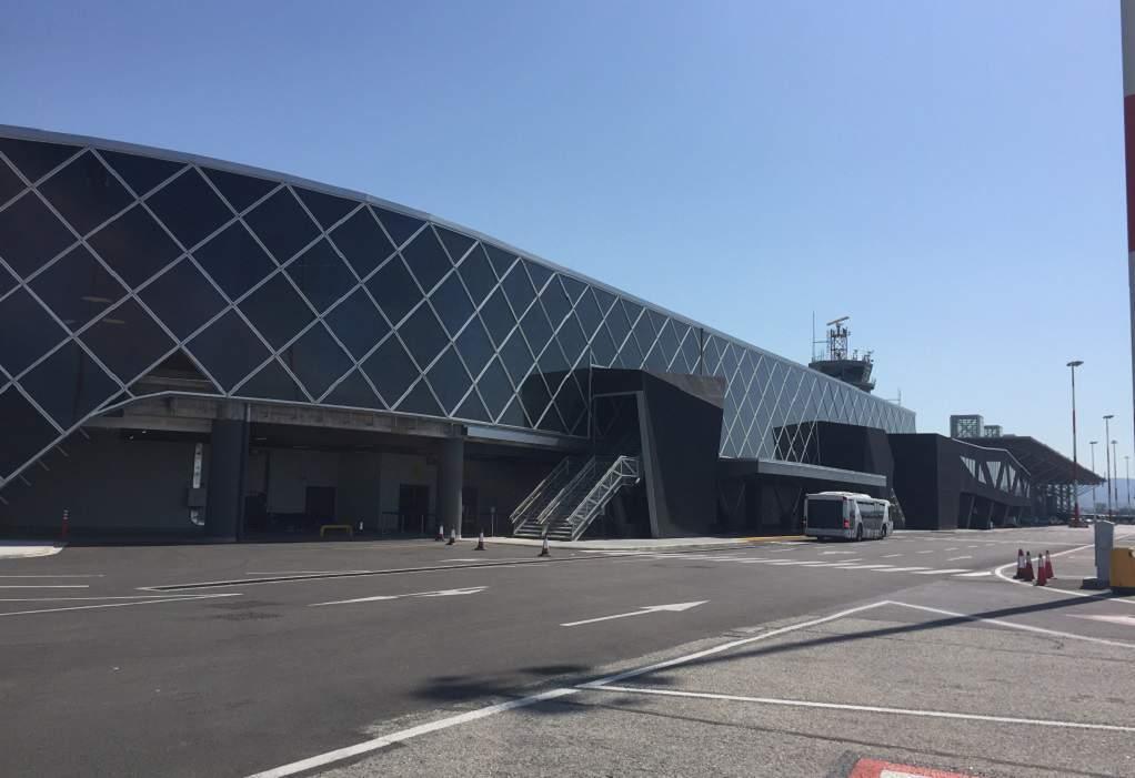 """Αεροδρόμιο """"Μακεδονία"""": 6.500 τ.μ. για χώρους λιανικής και εστίασης"""