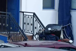Καρδίτσα: Μετανάστες μεταφέρθηκαν σε ξενοδοχείο στο Κόκκινο Νερό (ΦΩΤΟ)