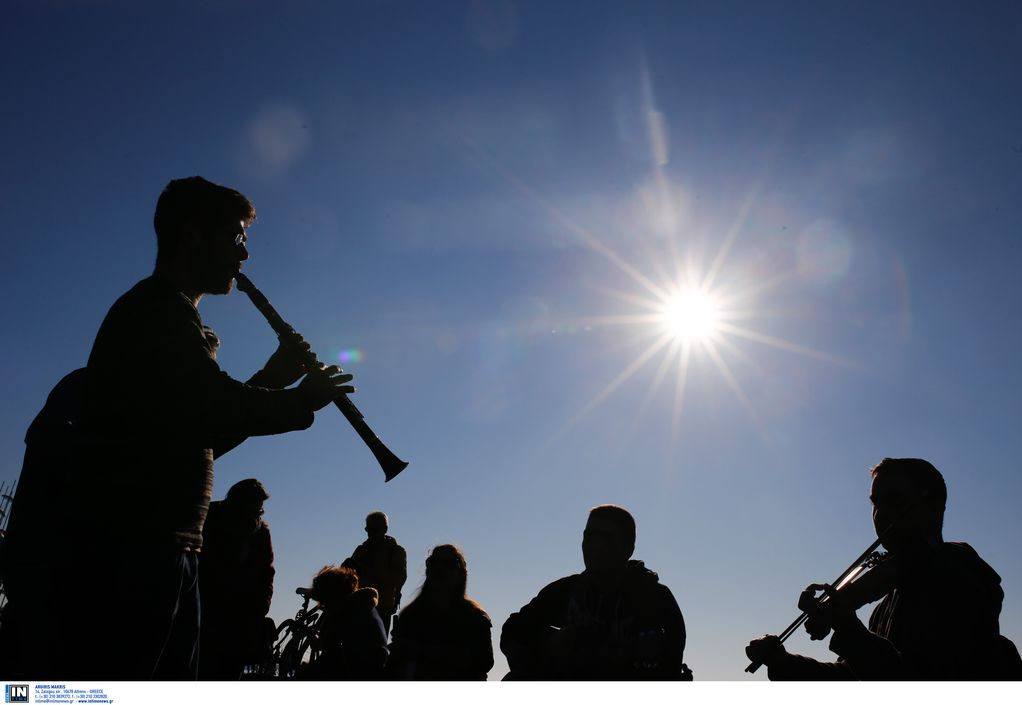 Μουσικοί Β. Ελλάδος: Ντροπή το πρόστιμο σε μουσικό του δρόμου