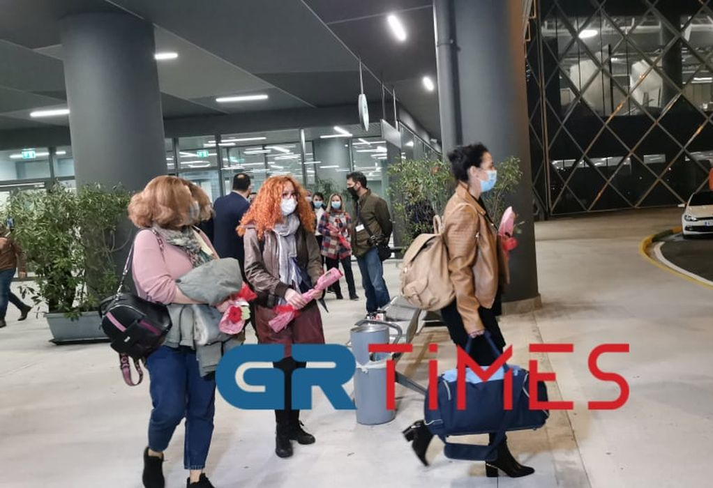 Έφτασαν στη Θεσσαλονίκη οι νοσηλεύτριες από την Κρήτη (VIDEO/ΦΩΤΟ)