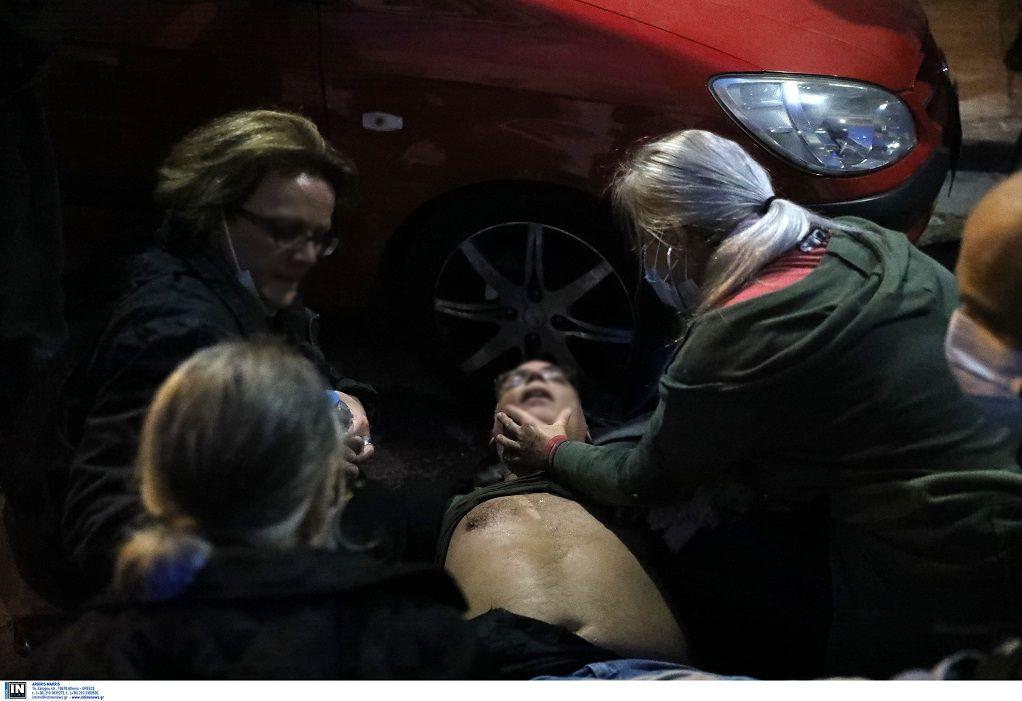 Στο νοσοκομείο πατέρας διαδηλωτή με καρδιακή προσβολή