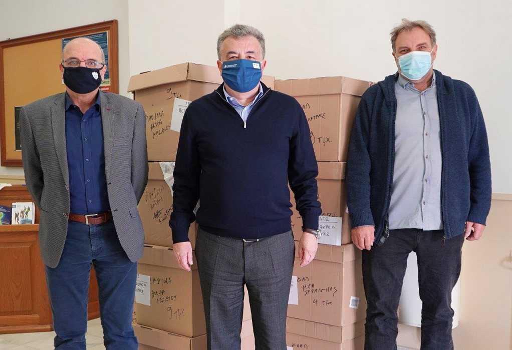 Περιφέρεια Κρήτης: Παράδοση ειδών υπόδησης στις Δομές Κοινωνικής Φροντίδας