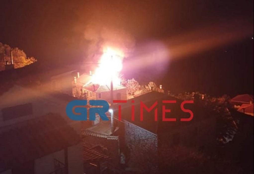 Παραδόθηκε στις φλόγες κατοικία στη Μελιβοία (ΦΩΤΟ – VIDEO)