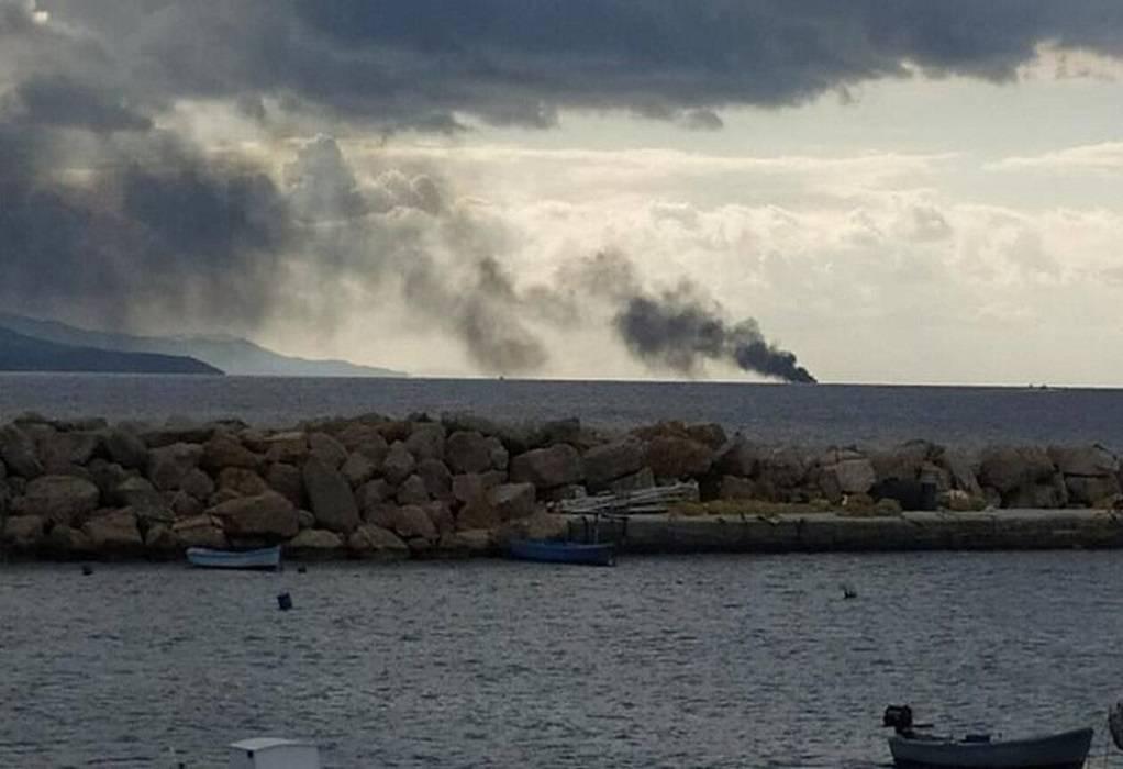 Φωτιά σε τουριστικό πλοίο στη Νάξο, μία γυναίκα τραυματίας