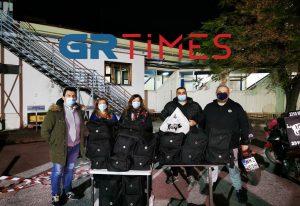 Θεσ/νίκη: Προσφέρουν φαγητό κάθε βράδυ σε γιατρούς και νοσηλευτές (ΦΩΤΟ+VIDEO)