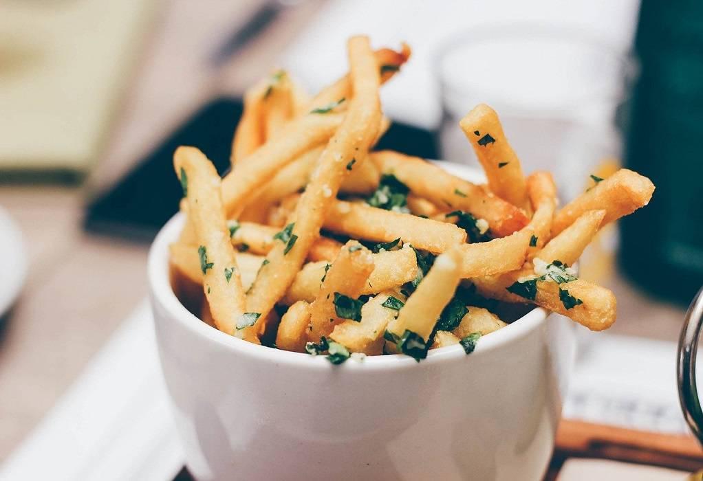 Γιατί τα τηγανητά φαγητά είναι ανθυγιεινά για εμάς;
