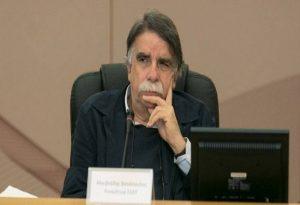 Βατόπουλος: Θα παραμείνει η νυχτερινή απαγόρευση