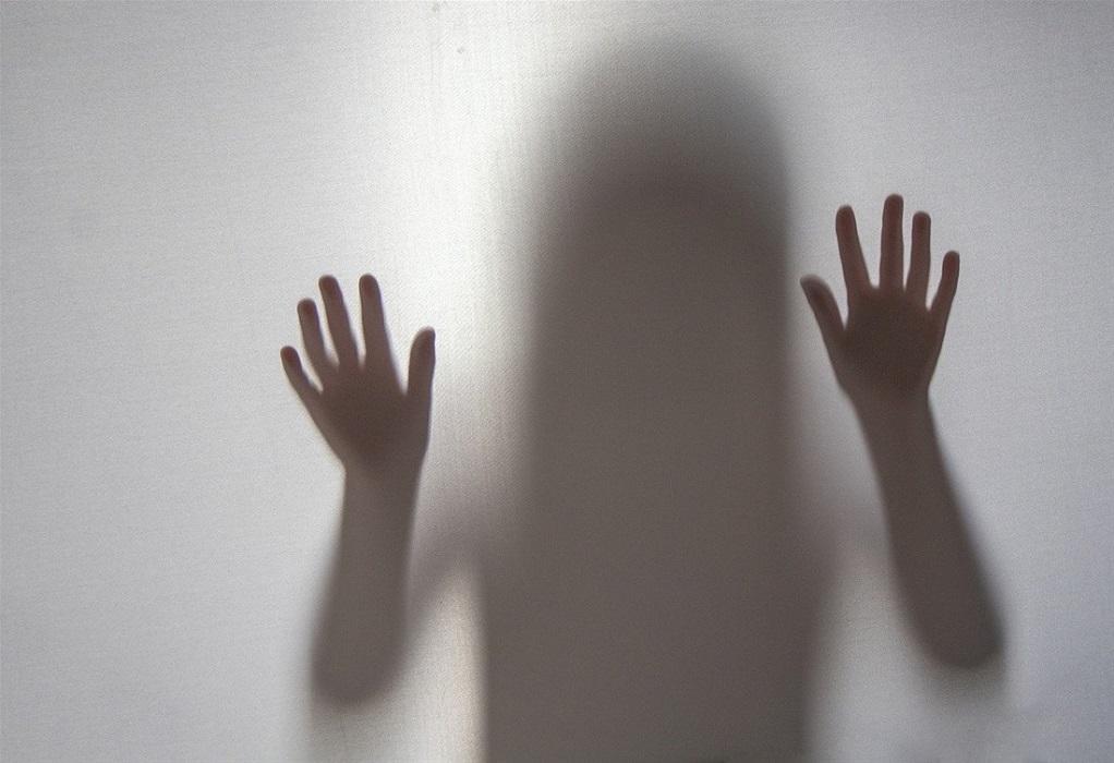Νέα Σμύρνη: Ποινική δίωξη σε τρεις άνδρες για την άγρια κακοποίηση 27χρονης