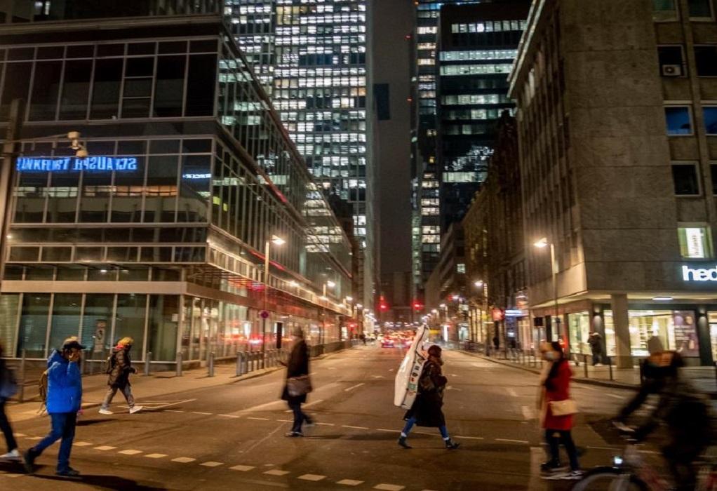 Κορωνοϊός-Γερμανία: Αυστηρότερα τα μέτρα από τα μεσάνυχτα