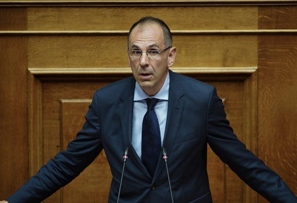 Γεραπετρίτης: Ο πρωθυπουργός δεν εκβιάζεται, προχωράει με την κρίση του