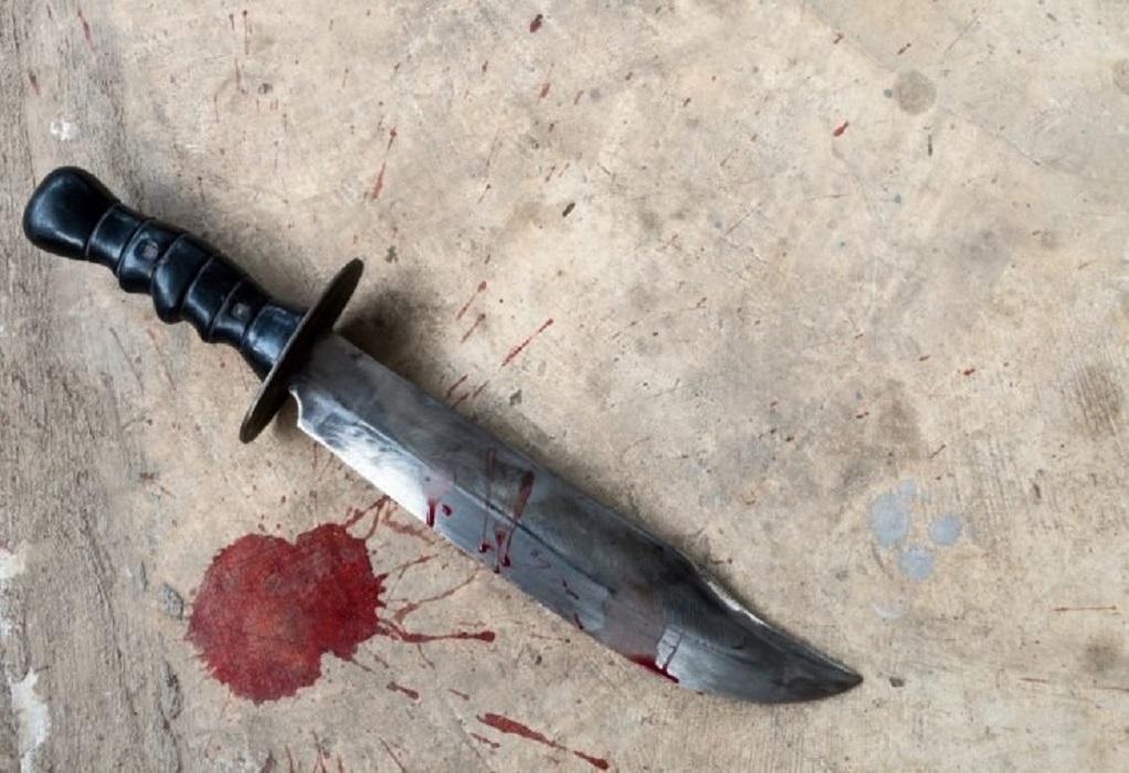 Άνδρας επιτέθηκε με μαχαίρι σε αστυνομικό στο Λουτράκι