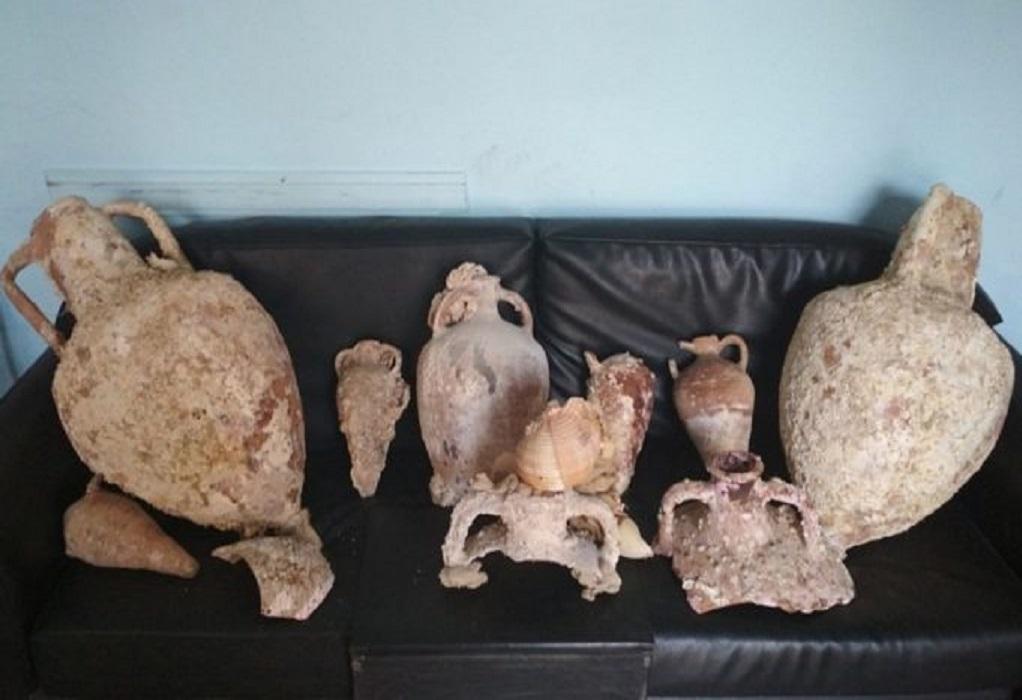 Αρχαίοι αμφορείς βρέθηκαν σε σπίτι στην Κάλυμνο