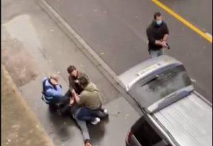 Γερμανία: Η στιγμή σύλληψης του οδηγού που έπεσε στο πλήθος (VIDEO)