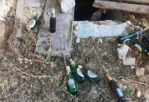 Εξάρχεια: 20 βόμβες μολότοφ σε εγκαταλελειμμένο κτήριο (ΦΩΤΟ)