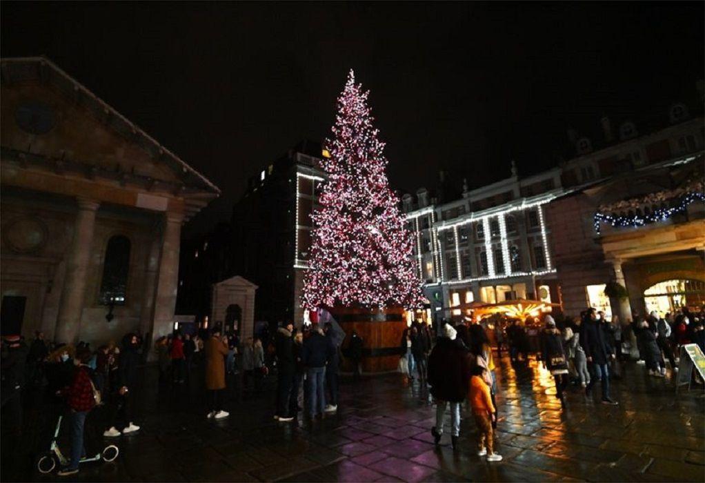 Βρετανία-Covid-19: Η έξαρση της επιδημίας ματαιώνει τα Χριστούγεννα
