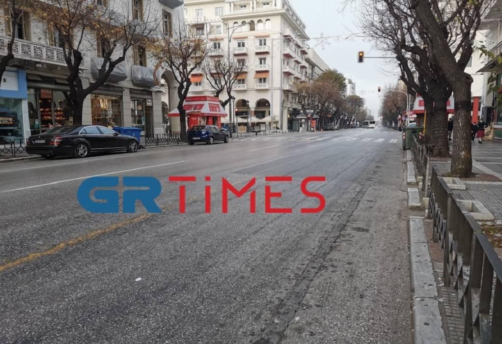 Χριστούγεννα: Ερήμωσε το κέντρο της Θεσσαλονίκης – Δείτε φωτογραφίες